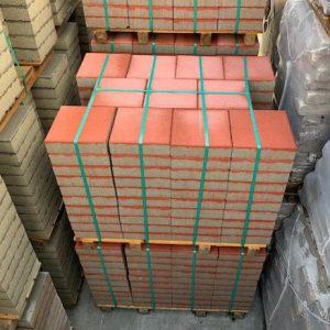 Rode 30x30 betontegels