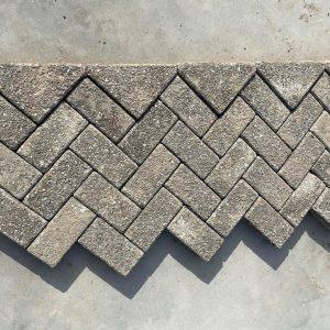Grijze betonklinkers keiformaat 7 cm
