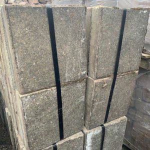 grijze betontegels 30x30