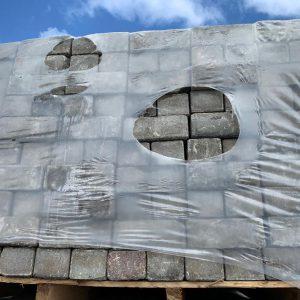 Grijze keiformaat betonklinkers